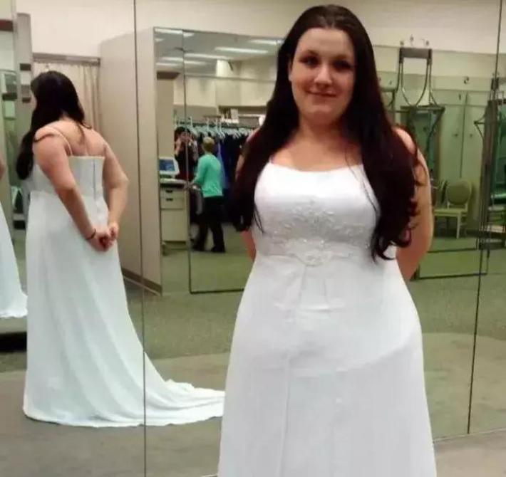 Две Женщины Унизили Полную Девушку, Когда Она Примеряла Платье. Реакция Владелицы Магазина Невероятна!